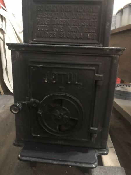"Jotul 118 Wood Stove 28"" Firebox Black $795.00"