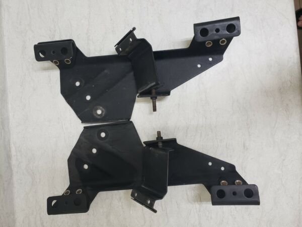 Federal Signal Vector vision light bar mounting feet with brackets