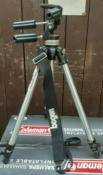BOGEN MANFROTTO 3001 Tripod With 141 Head Adjustable Legs