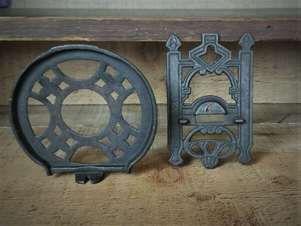 Antique Cast Iron Oil Lamp Holder Bracket amp; Wall Mount Small Miniature Lamp size