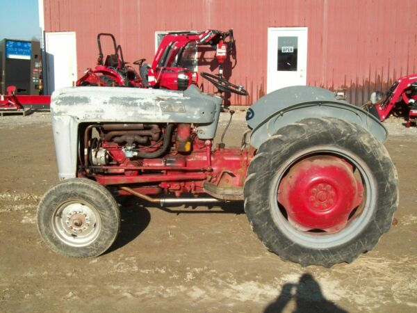 Ford Jubilee Tractor Runs Good But Kind of Ugly $2200.00