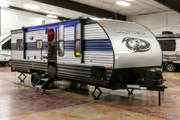 New 2021 Cherokee Grey Wolf 22RR Lite Travel Trailer Toy Hauler for Sale Cheap $21599.00