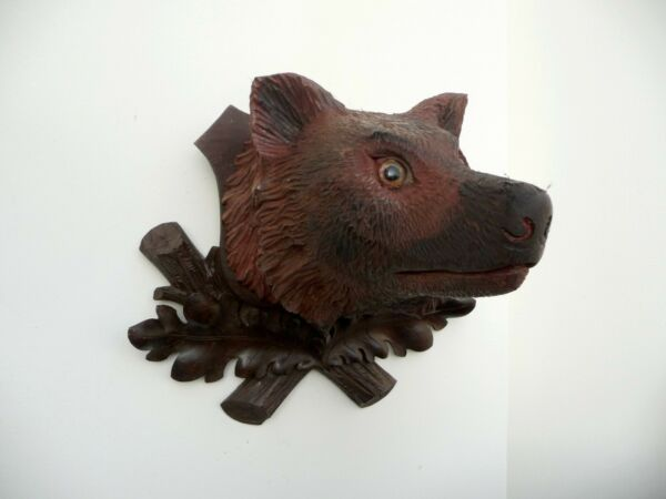 HEAD OF A FOX ON BLACK FOREST CARVED PLAQUE