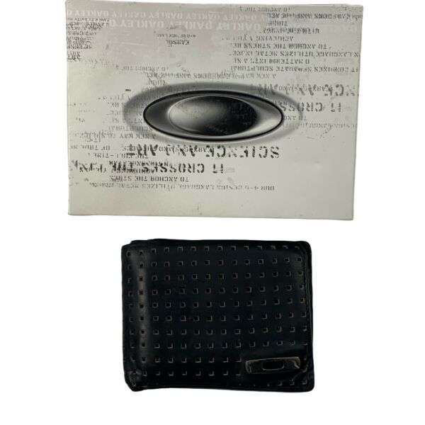 Pre Owned Rare Oakley Square O Perforated Leather Wallet Black w Original Box $129.24