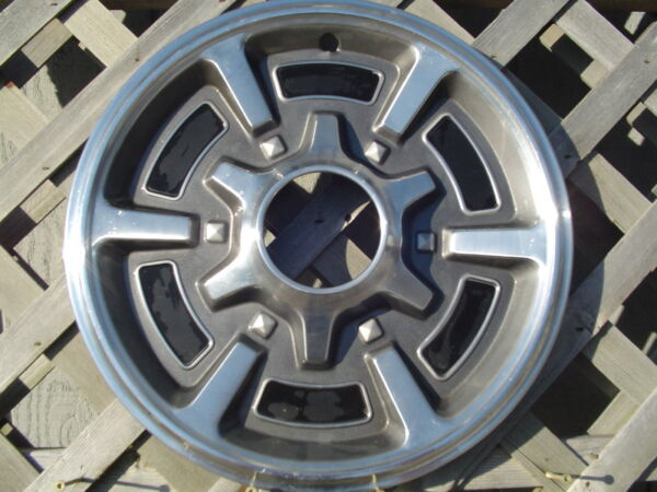 CHEVROLET CHEVY PICKUP TRUCK HUBCAPS WHEEL COVERS ANTIQUE VINTAGE CLASSIC 4+4