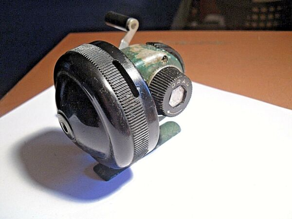 VINTAGE JOHNSON CENTENNIAL 120 FISHING REEL WORKING FINE