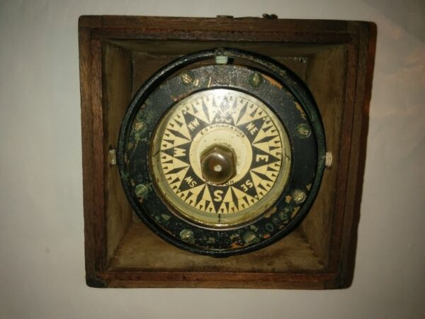 Vintage Gimbal Compass in dovetailed wooden Box ES Ritchie & Sons