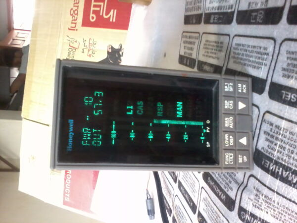 Honeywell PC6303 Digital Indicating Controller  Meter  Boiler Level Control