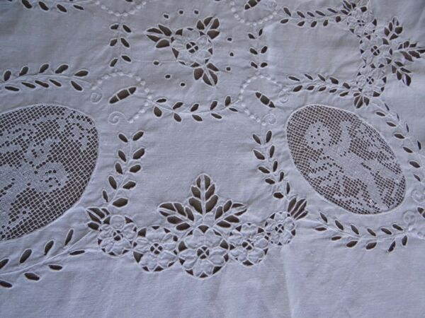 Beautiful Vintage Hand Embroidered Cutwork Lace White Linen Table Cloth 54 x 49