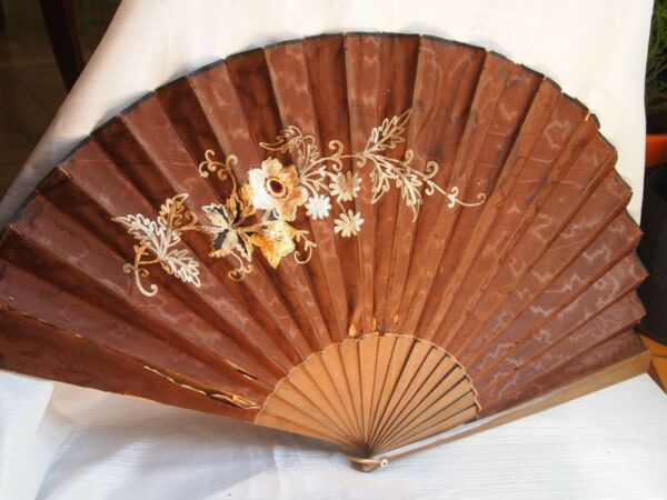 ANTIQUE HAND FAN WOODEN EMBROIDERY W FLOWERS BROWN FABRIC ORIGINAL BOX HARRODS