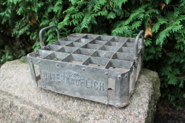 Antique old beer crate CARL BREMME BARMEN UNVERKAUFLICH beer metal box