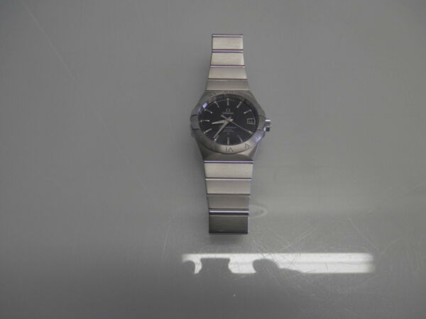 Omega Constellation Silver 100m330ft co-axial movement 8500 Great Condition