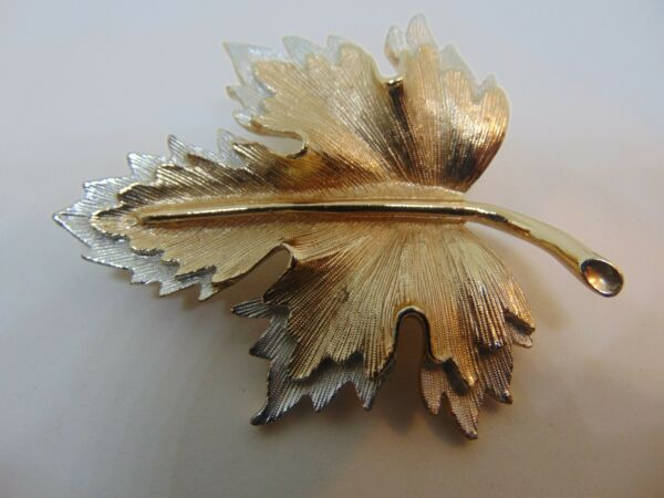 Sarah Coventry Two Tone Double Leaf Brooch Pin Gold and Silver Metal