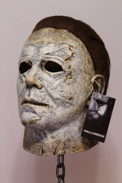Michael Myers Halloween 2018 Mask Officially Licensed by Trick or Treat Studios $53.99