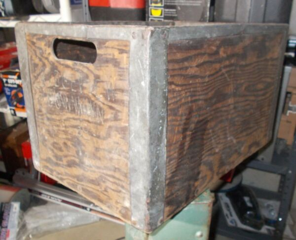 Antique Vintage Ridgeview Dairy Wood Milk Crate Metal Edges