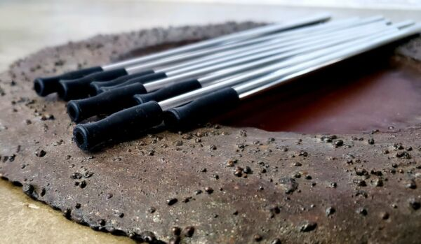 Set of 8 6mm stainless steel straws With Black Silicone straw tips.