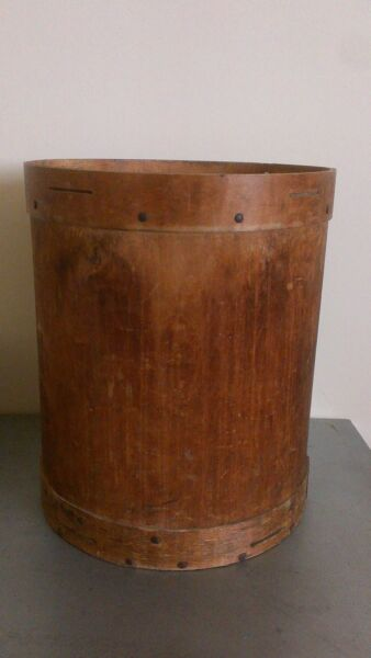 Country rustic vintage bentwood drum shaped box pinned & plate construction