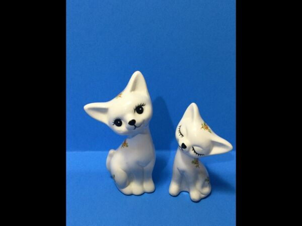 Rare Vintage Midcentury Pair Of Cute Cat Figurines With Flowers