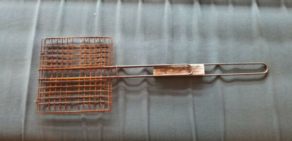 EARLY PRIMITIVE OLD HAND HELD WIRE TOASTER HEARTH FIRE BREAD MEAT COOKING TOOL