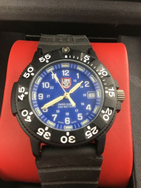 Brand New LUMINOX NAVY SEAL SERIES 300 3900 V3 CARBON WATCH💥💥💥💥💥PC CARBON $400.00