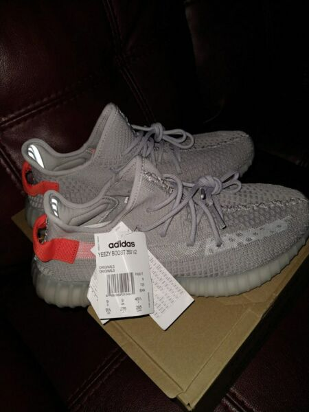 Authentic Brand New - Adidas Yeezy Boost 350 V2 - Size 9.5