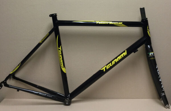 TSUNAMI TEAM ISSUE ALLOY FRAME AND REYNOLDS CARBON FORK 1 1 8 INCH 1.8 KGS $250.00