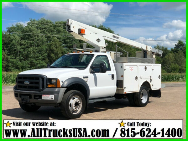 2006 FORD F450 6.8L V10 GAS VERSALIFT BUCKET TRUCK Used Regular Cab 137K MILES