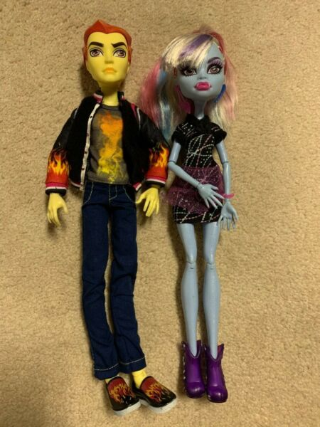 Mattel Monster High Heath Burns & Abbey Bominable Home Ick Dolls Set of 2