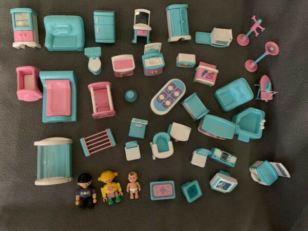 Doll House Playset Dolls Furniture & Accessories Keenway With 3 Characters
