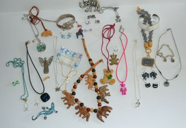 Lot Vintage To Now Animal Bugs amp; Birds Jewelry A4V