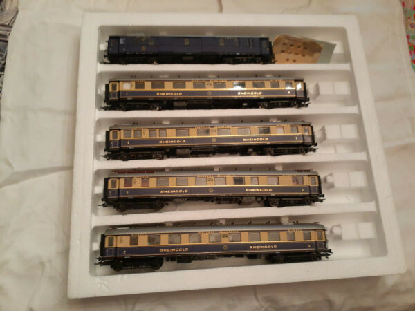 Liliput Austria German Rheingold Set 821 with Interior Lights
