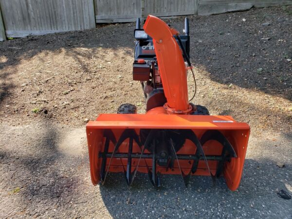 Ariens snowblower 36 inch electric start great condition.
