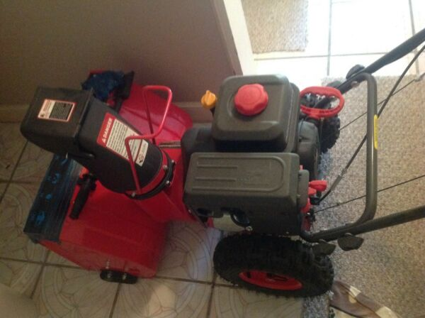 Powersmart 22inch Two Stage Gas Snow Thrower Red Preowned