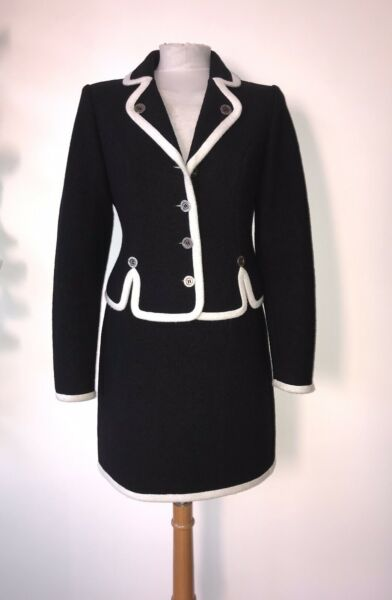 MOSCHINO SZ 12 BLACK CREAM SUIT quot;YOU CANT#x27;S JUDGE A GIRL BY HER CLOTHESquot; BUTTONS GBP 175.00