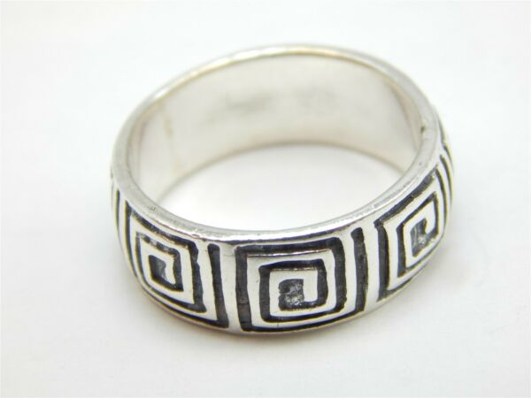 STERLING SILVER 925 SQUARED PATTERNED OXIDIZED BAND RING SIZE: 7.5 $29.00