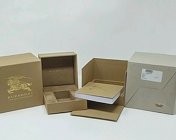 Authentic BURBERRY Original Package Display Collector Men#x27;s Watch Box w Manual. $39.99