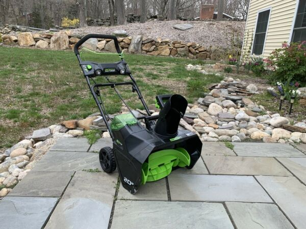 Greenworks PRO 20 Inch 80V Cordless Snow Thrower Battery Not Included