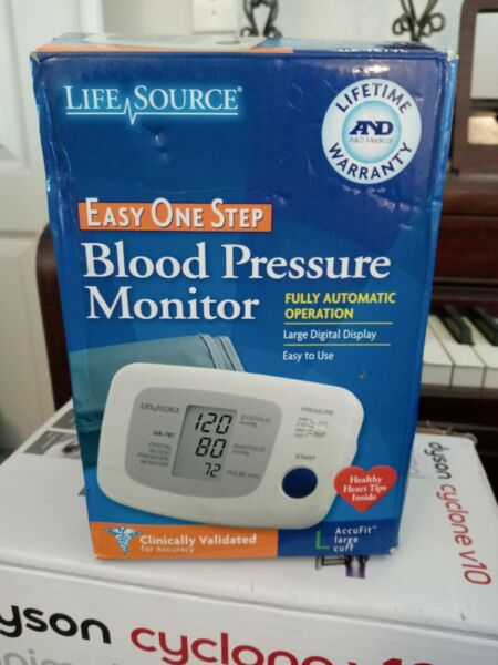Life Source Easy One Step Blood Pressure Monitor Fully Automatic Large Cuff $19.00
