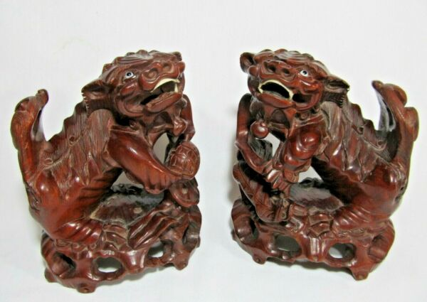 GREAT PAIR ANTIQUE CHINESE CARVED ROSEWOOD FOO LION DOGS GUARDIAN LION FIGURES $595.00