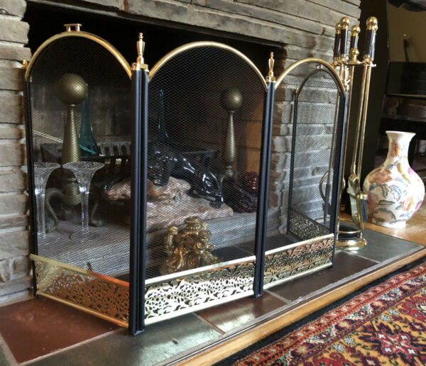 Metal Brass Hearth Fireplace Screen 4 Panels 52quot; x 25quot; looks new.
