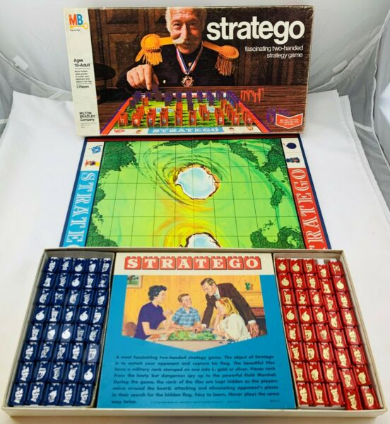 1977 Stratego Game by Milton Bradley Complete in Great Condition FREE SHIP