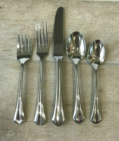 Oneida Deluxe RUSHMORE Stainless Flatware 5 Piece Place Setting VGC