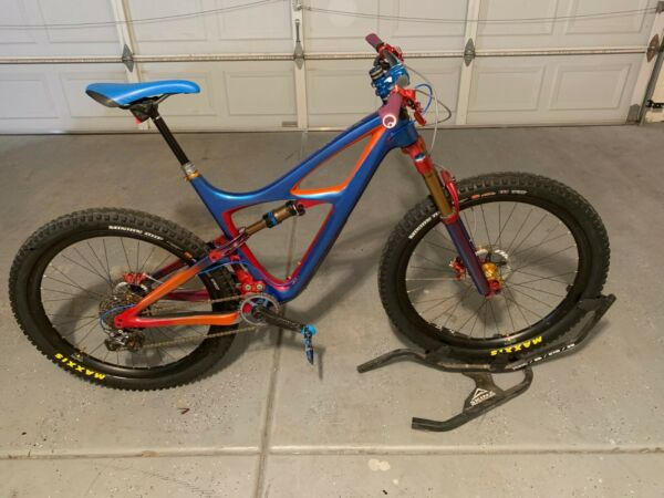 Ibis Mojo 3 Mountain Bicycle size Large 27.5 quot; diameter Custom Paint Loaded $4999.00