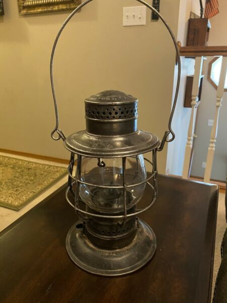 ANTIQUE GRAND TRUNK RAILWAY RAILROAD GTR BELL BOTTOM LANTERN $245.00