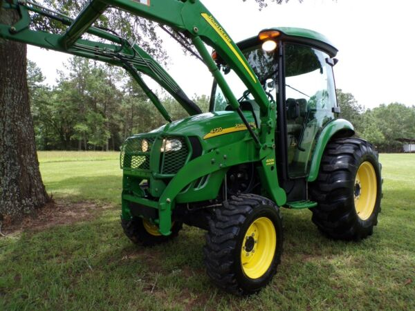 John Deere 4720 Cab Tractor and Loader E Hydro HST 66HP Turbo 4X4 $39900.00