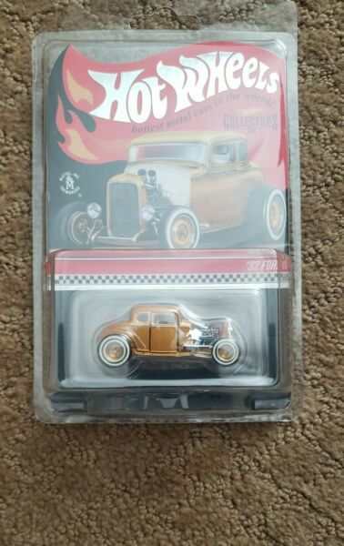 Hot Wheels 2021 RLC Deuce Coupe: HWC Special Edition '32 Ford In Hand