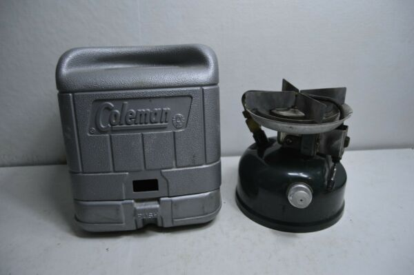 COLEMAN SINGLE BURNER STOVE 8 88 WITH CASE