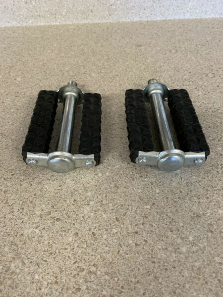 SCHWINN STINGRAY AND OTHERS MUSCLE BIKE BOYS PEDALS UNION $55.00