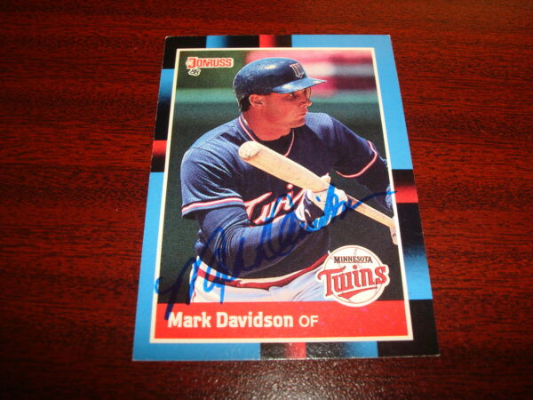 1988 DONRUSS #519 MARK DAVIDSON TWINS ROOKIE SIGNED CARD AUTOGRAPH