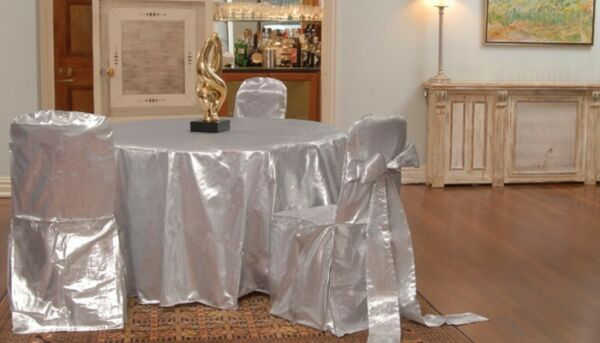 20 Tissue Lame Tablecloths 120